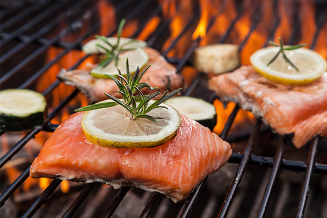 Tips for Healthy, Safe Summer Cookouts